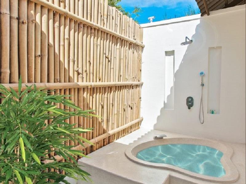 Phòng Hướng Vườn Có Ban Công (Garden View Terrace)
