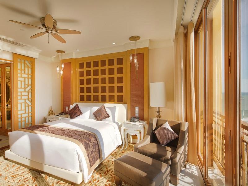 Grand Ocean View Suite